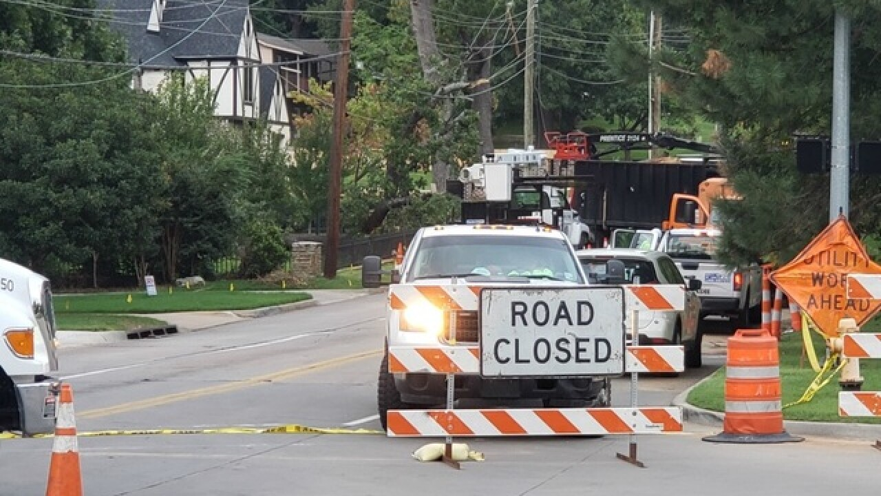Fallen tree knocks out power in Midtown Tulsa
