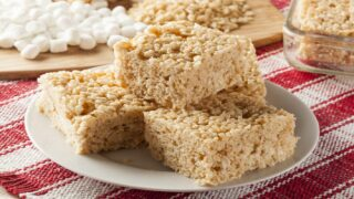 How To Make Perfectly Soft And Chewy Rice Krispies Treats