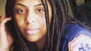 FDNY paramedic wakes up after COVID-19 put her in a coma for a month
