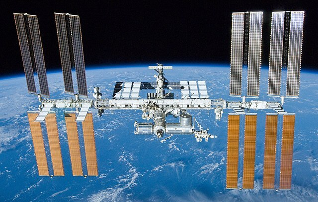 640px-International_Space_Station_after_undocking_of_STS-132.jpg