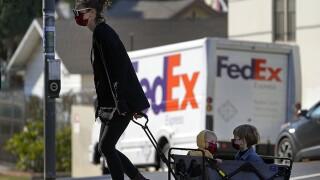 family mother children face mask california