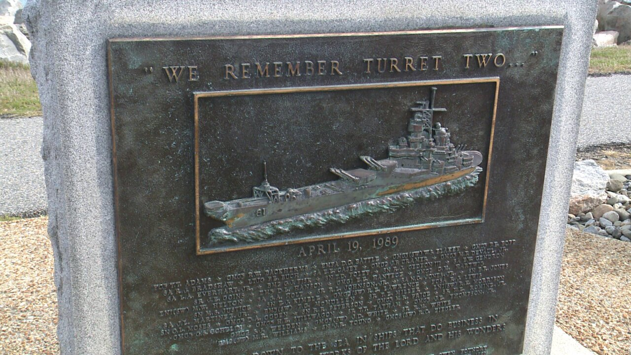 Memorial service honors 47 Sailors killed in explosion on USSIowa