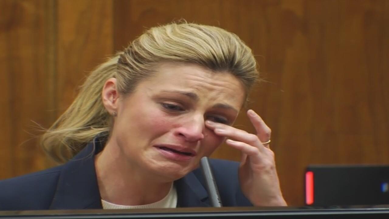 Erin Andrews breaks down in court