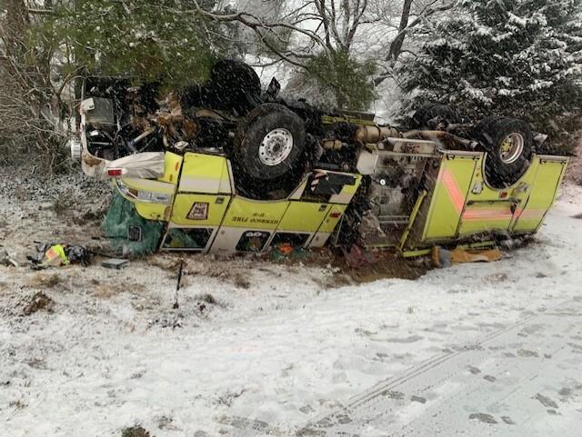 Crashed Henrico firetruck 03.jpg