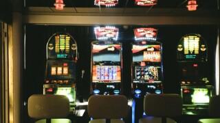 slot_machines.jpg