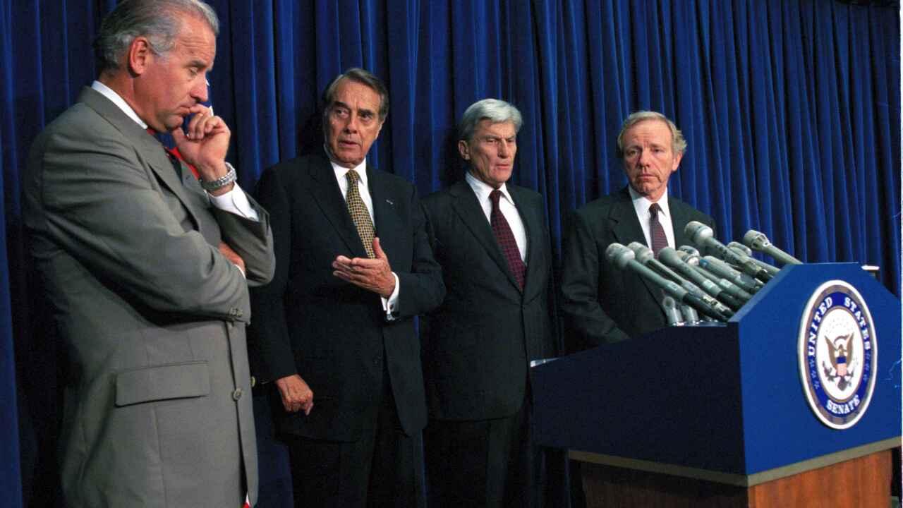 Senate Votes To Lift Bosnia Embargo 1995