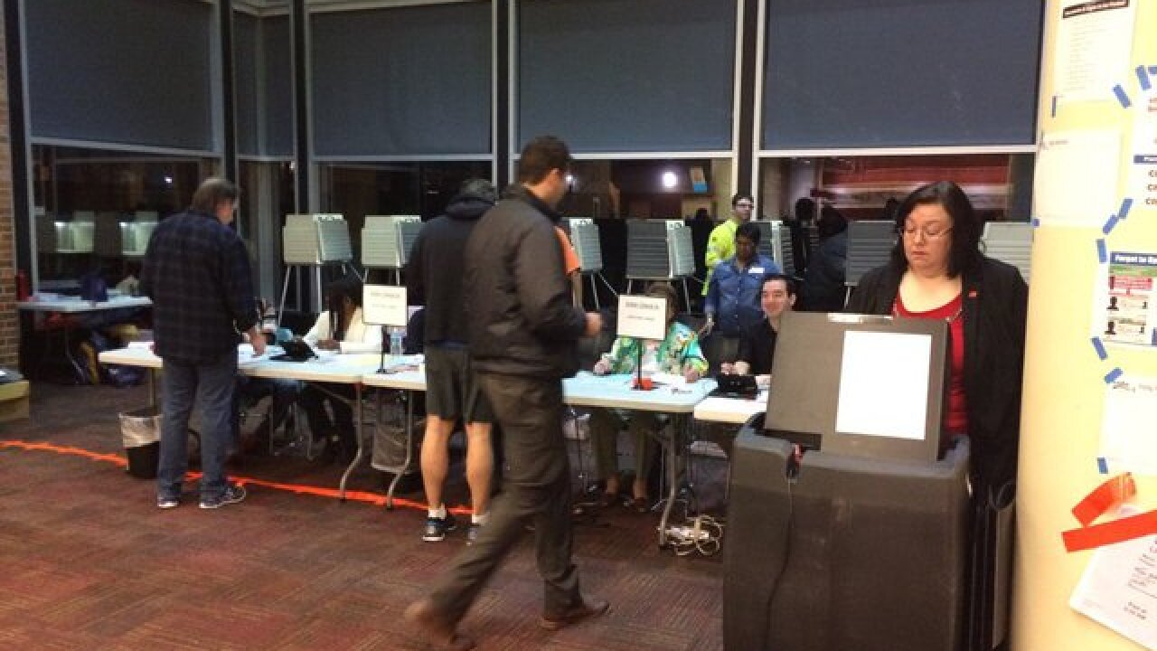 Poll workers not told about extension until 8