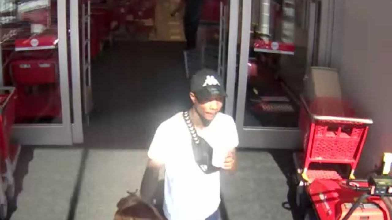 Target theft surveillance 5-11-19 3.jpg