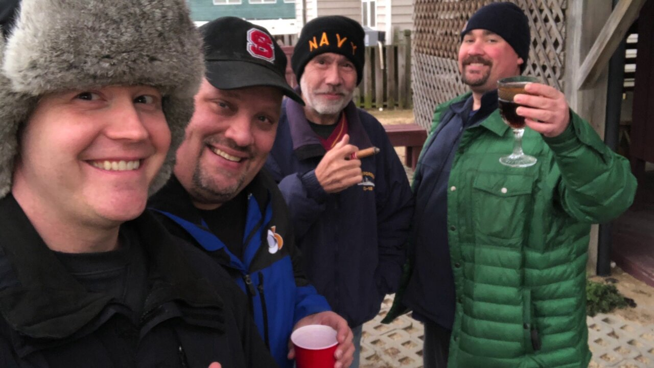 How this Navy veteran is finding comfort in his friends after a cancerdiagnosis