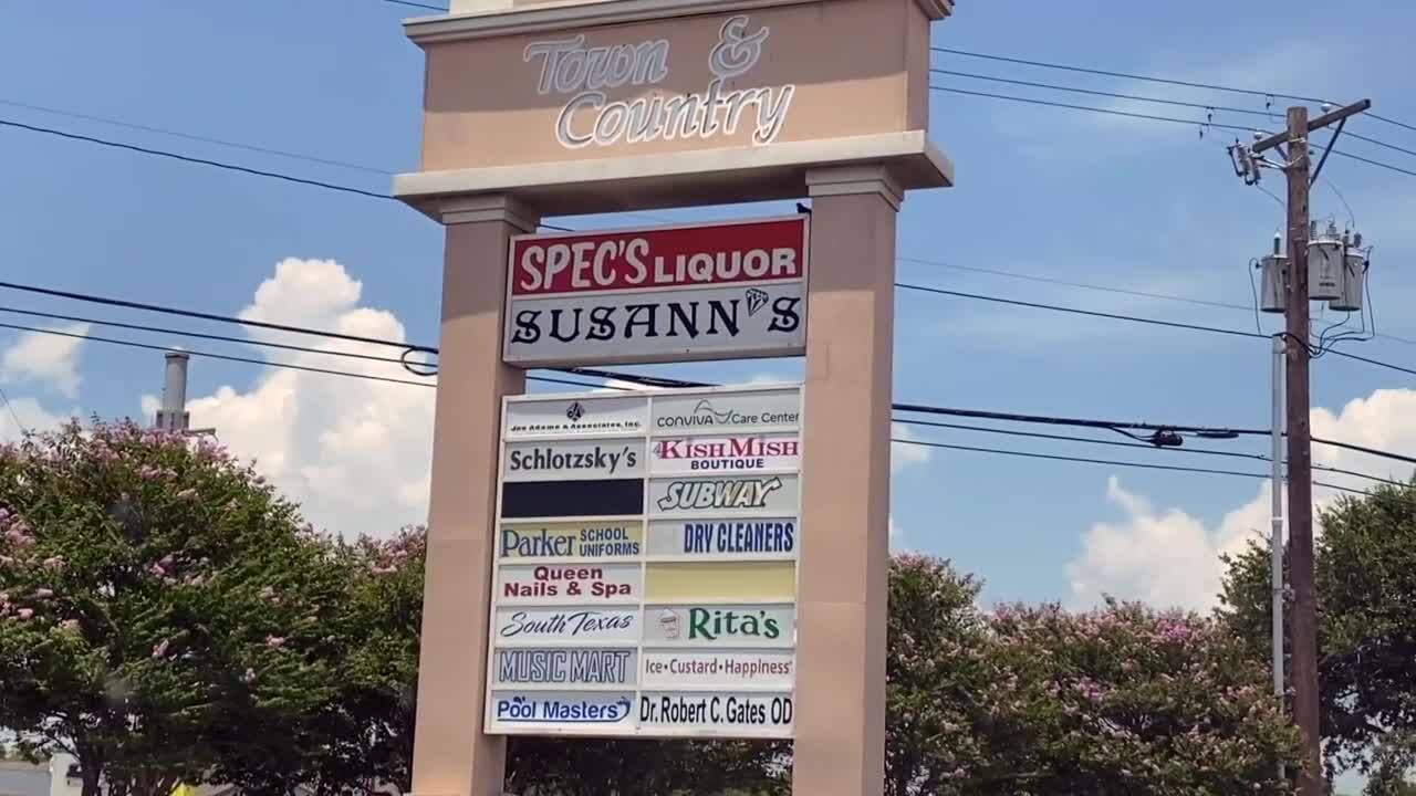 Kitchen Cops centers perfection around Town & Country Shopping Center