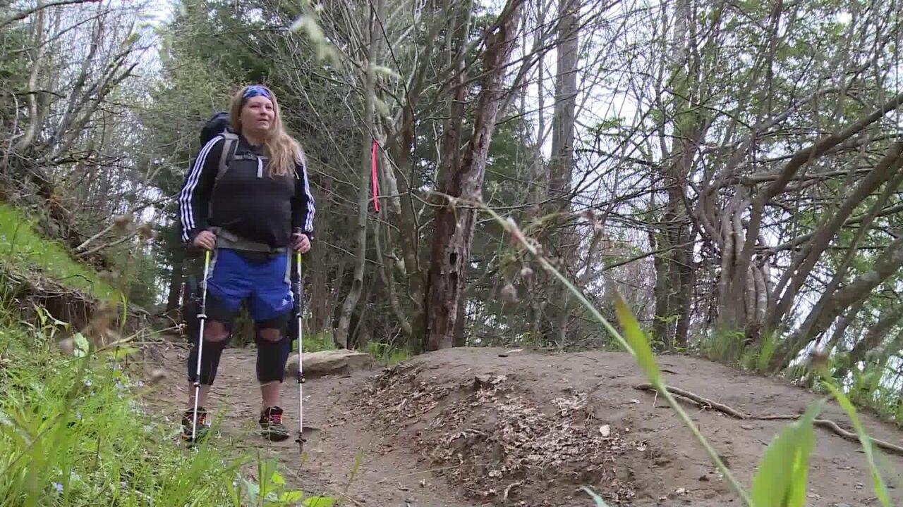 Paralyzed woman hikes AppalachianTrail