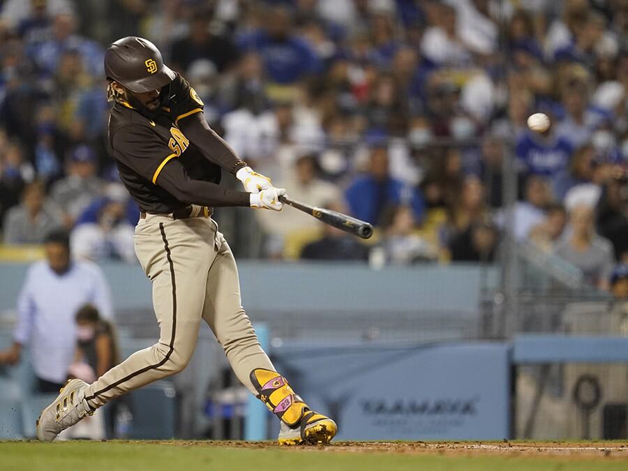 Fernando Tatis Jr. hits a homer that leaves Dodger Stadium