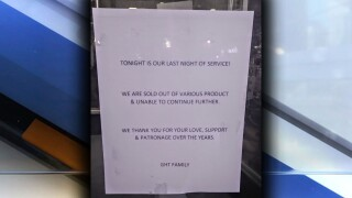 Greenhouse Tavern closing sign