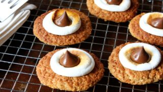 Oatmeal S'mores Cookies Are The Perfect Summertime Treat