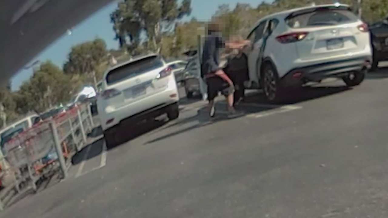 Sheriff releases video of attempt kidnapping outside Costco in California