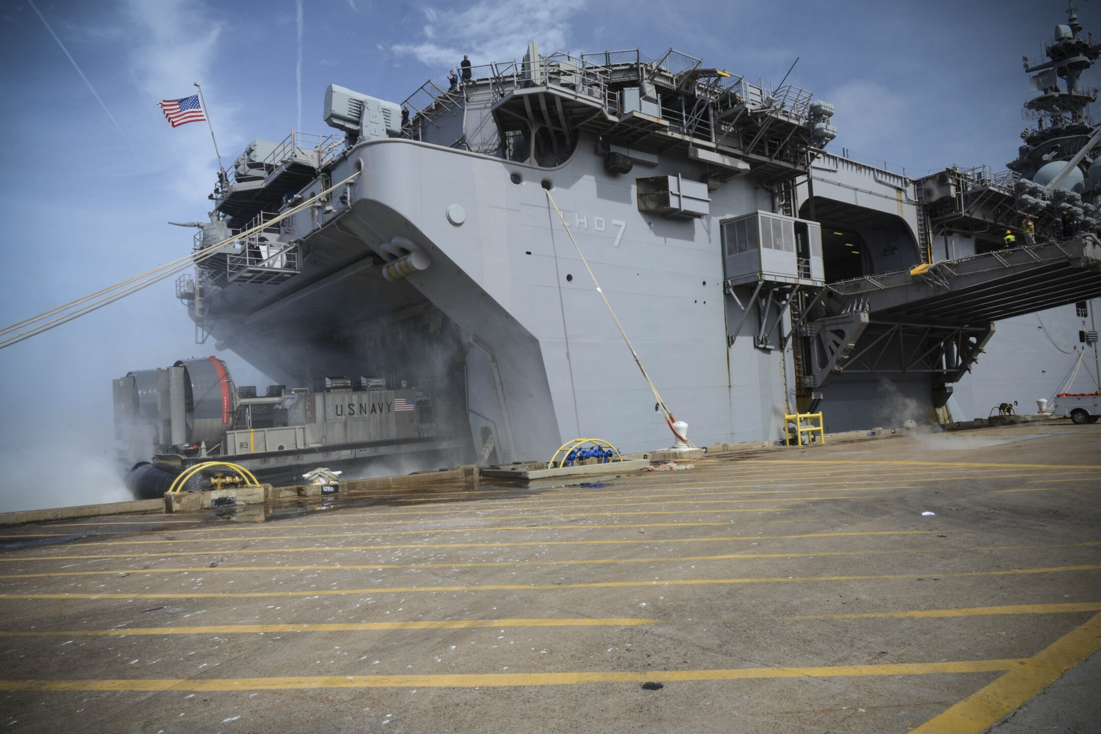 Photos: USS Iwo Jima, 24th Marine Expeditionary Unit deploy to Haiti after Hurricane Matthew