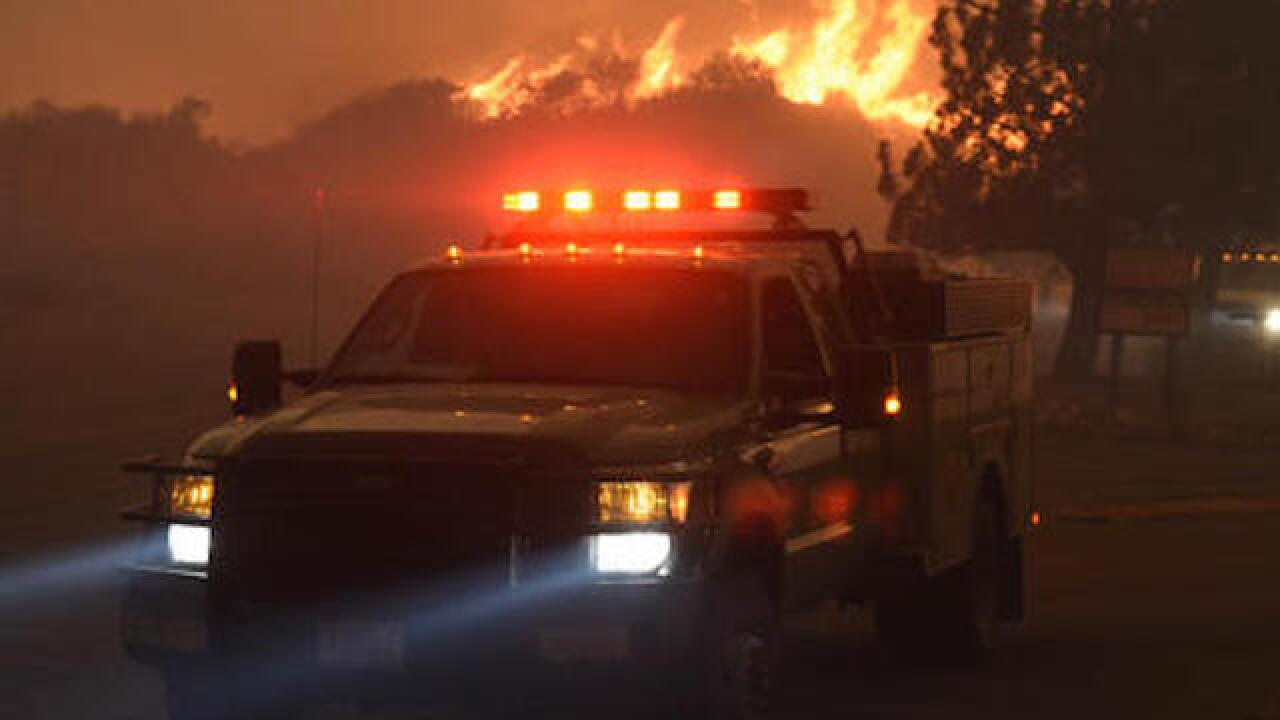 Southern California wildfire claims 18 homes, thousands more in danger
