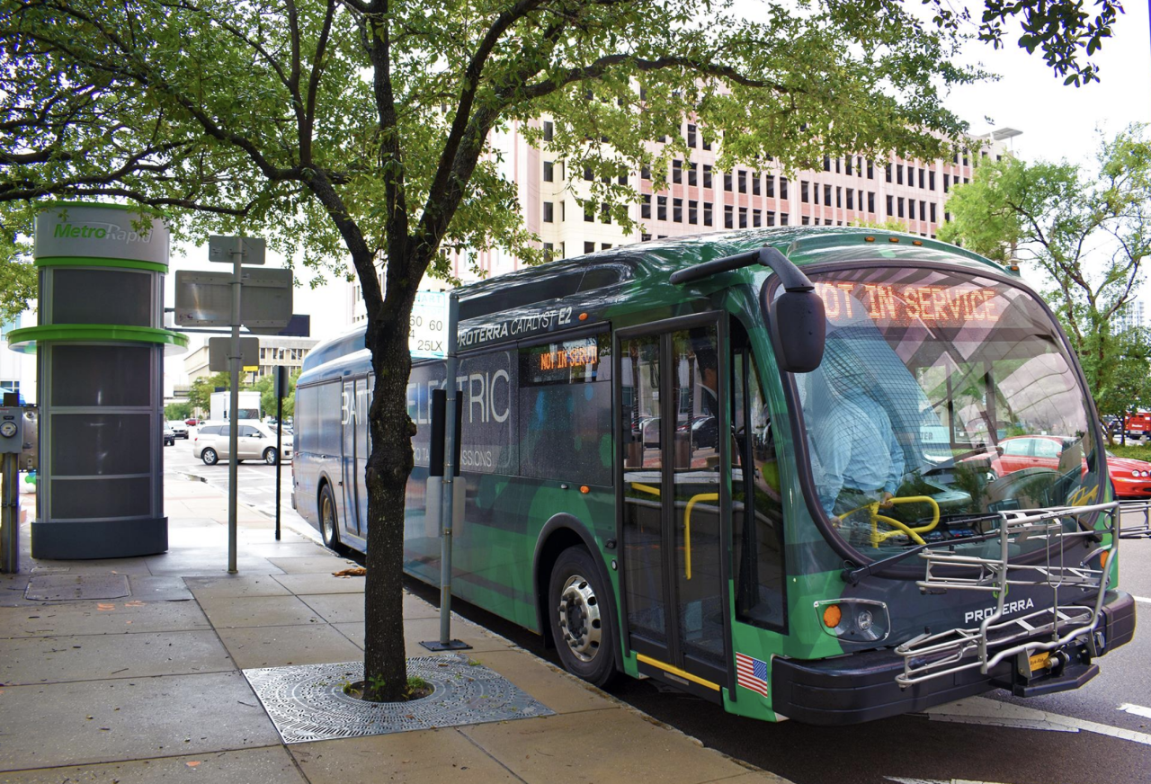 electric-bus-courtesy-hart-01.png