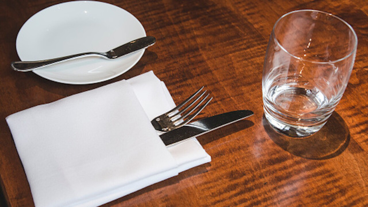Man allegedly dines and dashes, leaves bill with dates