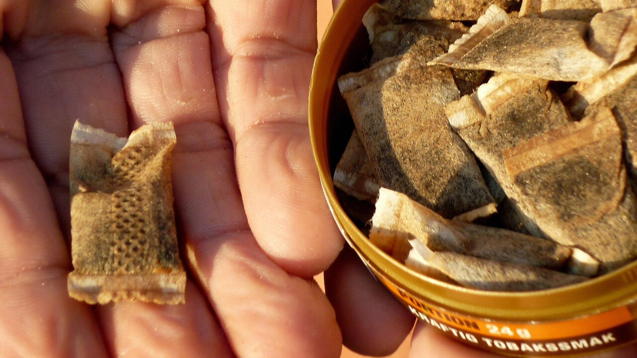 Smokeless tobacco company can advertise snus as less risky than cigarettes, FDA says