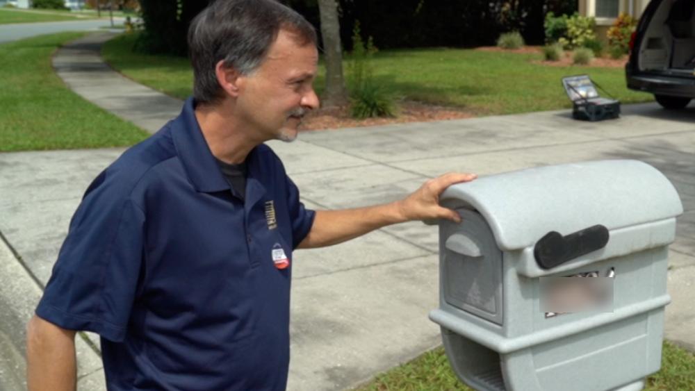 david-gray-at-mailbox-cropped.png