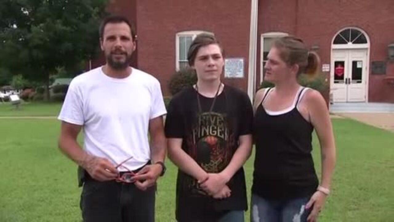 Parents in pot controversy regain custody of son