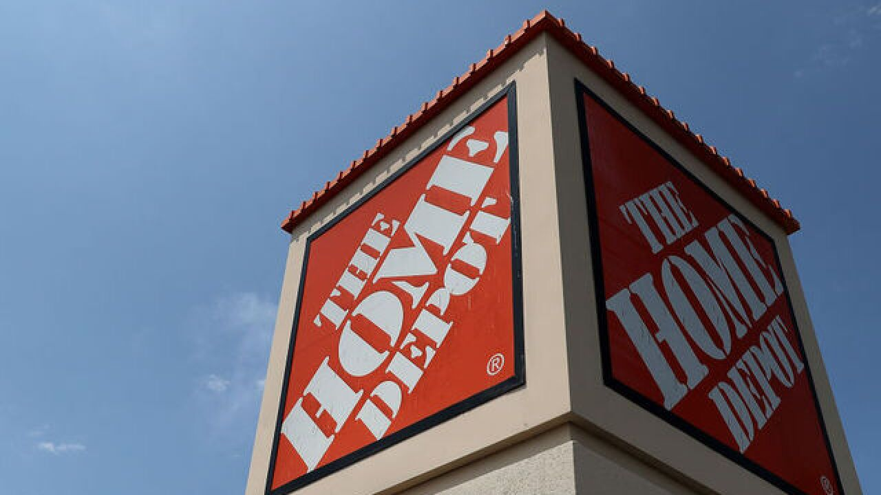 A Florida man's wife had a massive heart attack. Three Home Depot employees saved her life