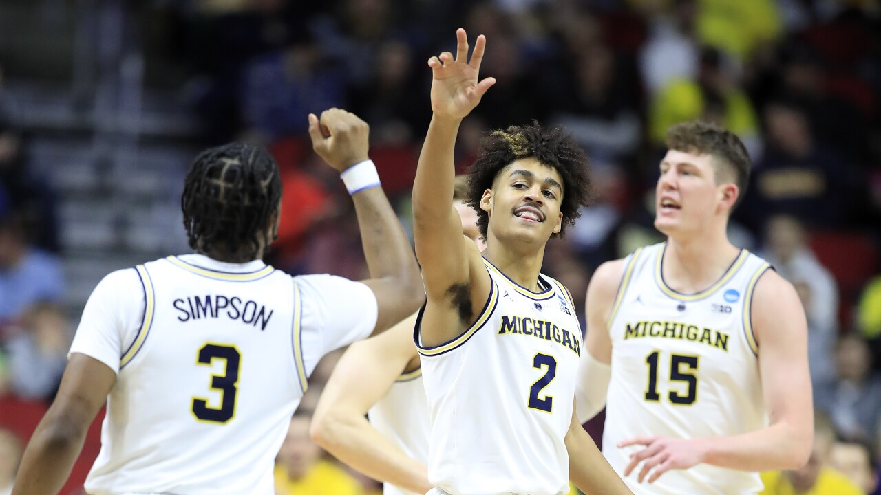 save off 0294f 3bb57 Jordan Poole, No. 2 Michigan beat No. 10 Florida for spot in ...