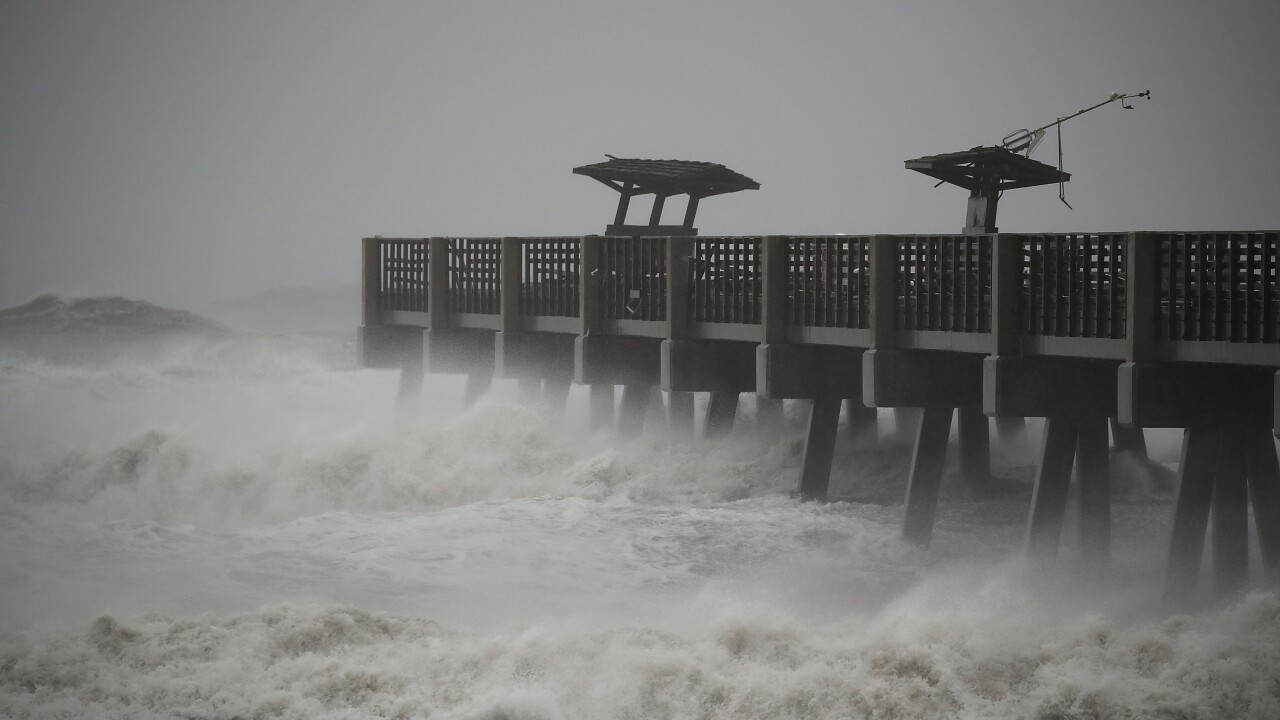 Pictures: Hurricane Matthew bears down on Atlantic Coast