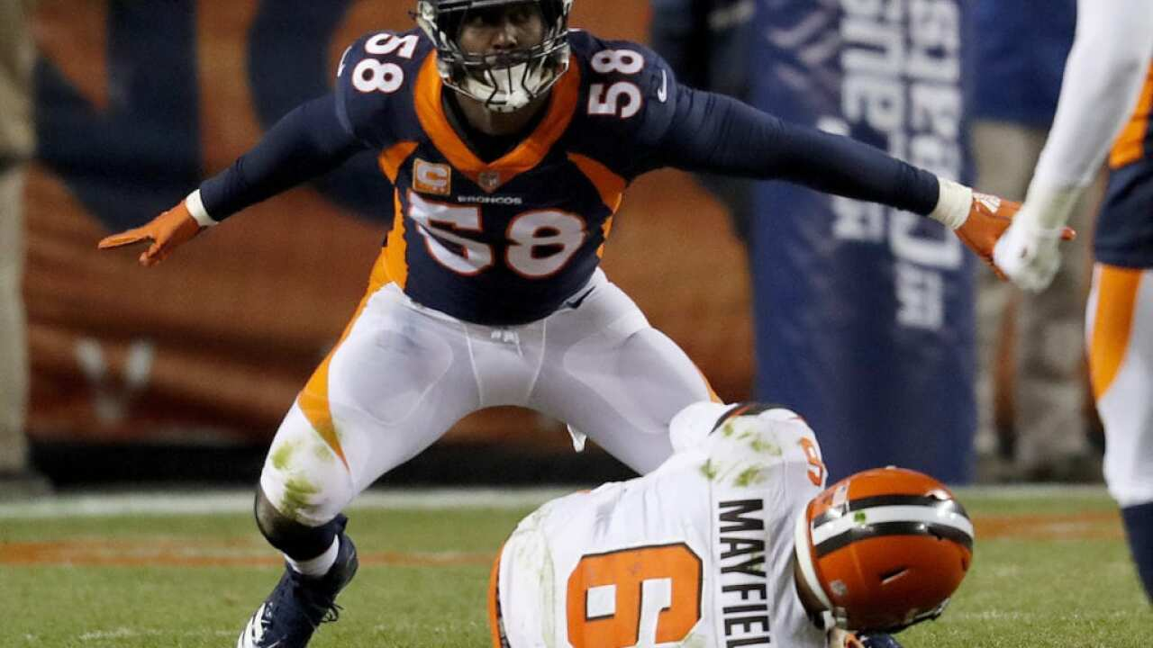 Von Miller breaks all-time Broncos sack record
