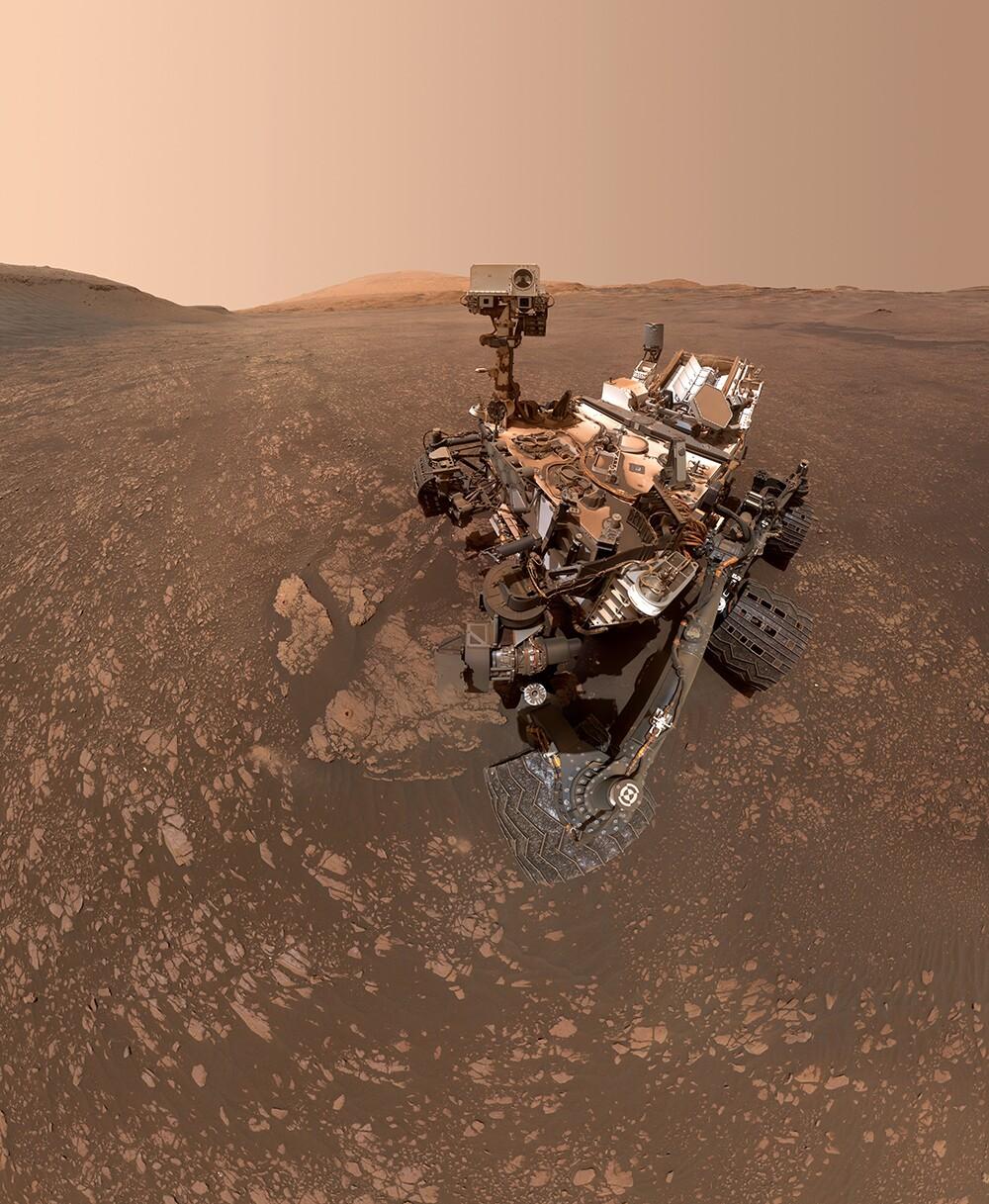 CuriositySelfie_NASA JPL-Caltech MSSS.jpg