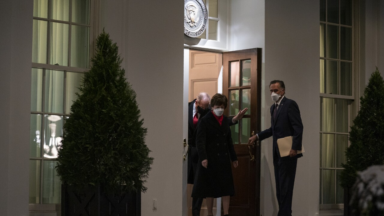 Susan Collins, Mitt Romney