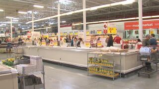 Grocery stores see an increase of shoppers ahead of holiday