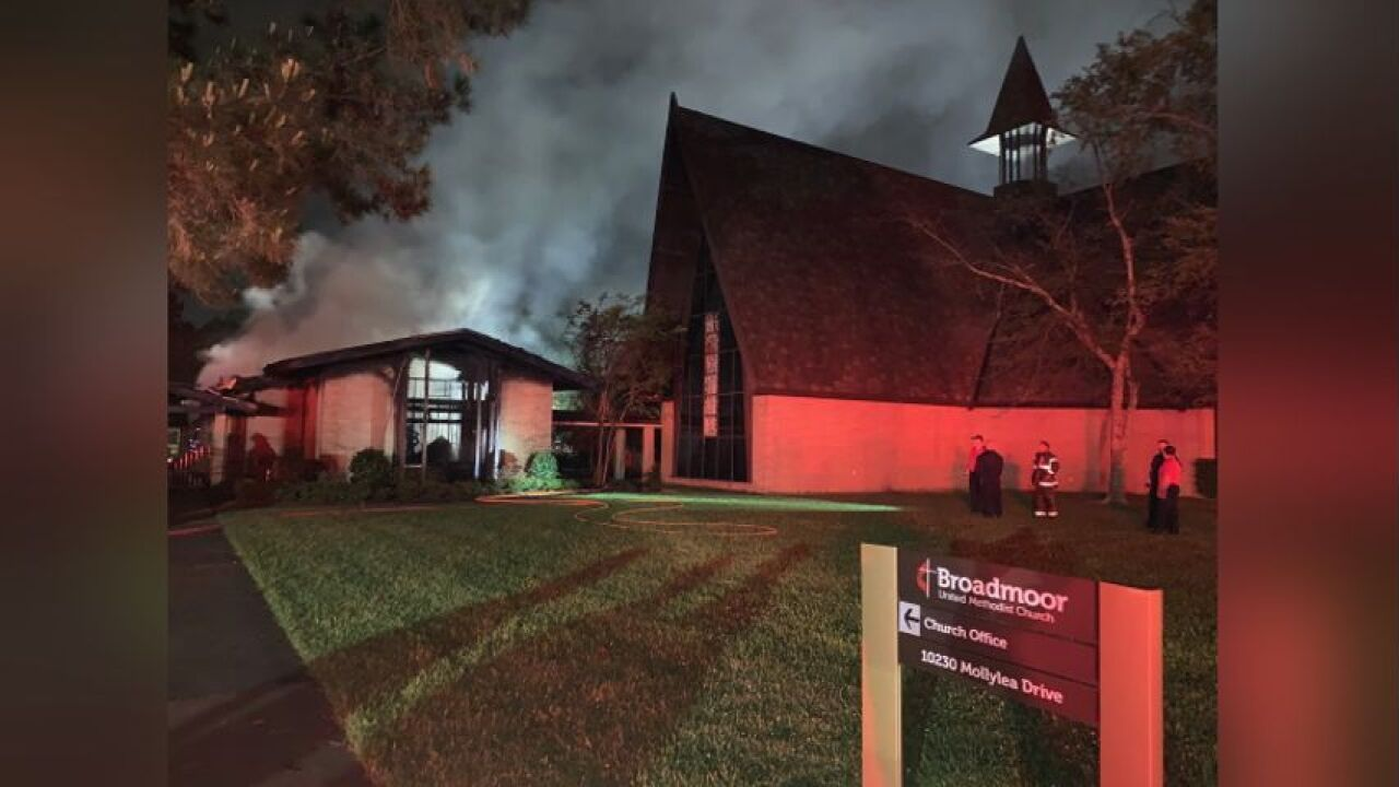 Broadmoor church fire (WBRZ).jfif
