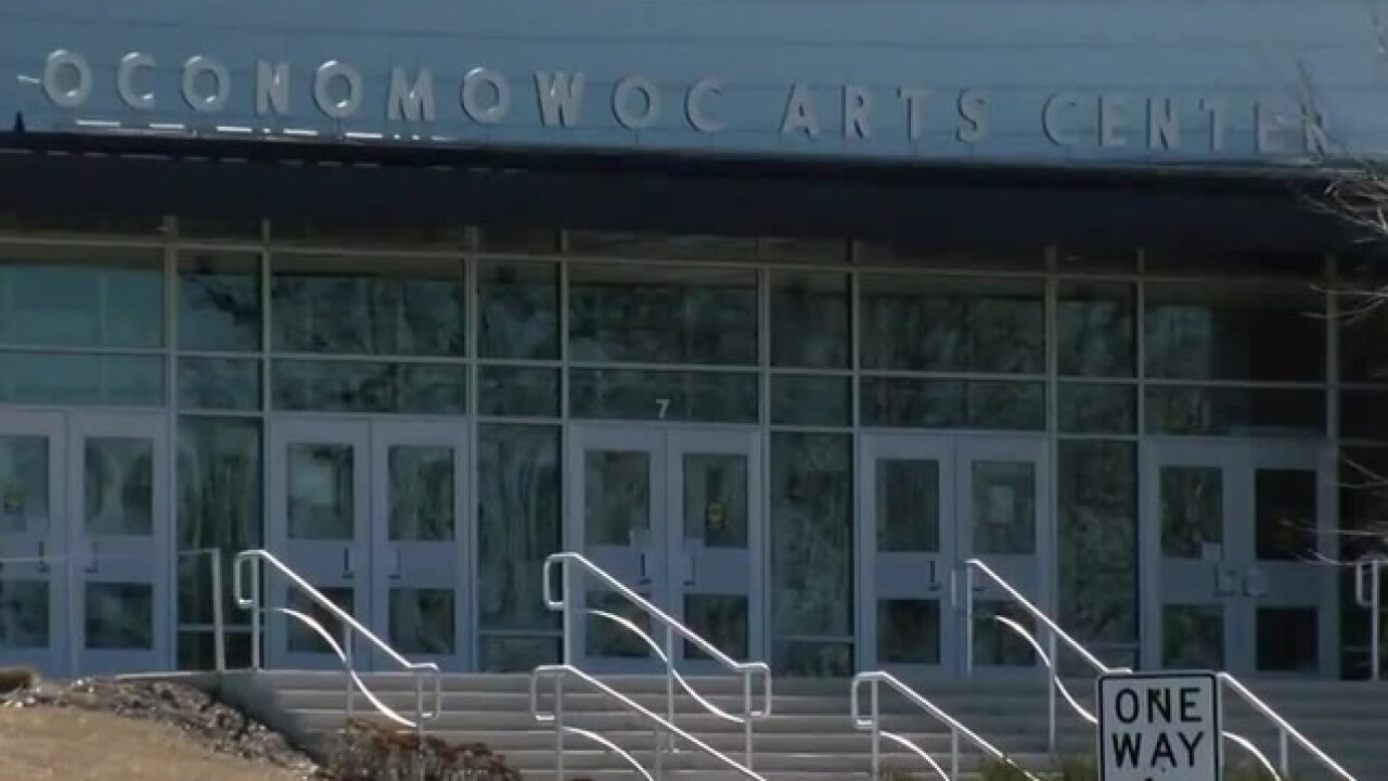 Oconomowoc HS remains closed over weekend