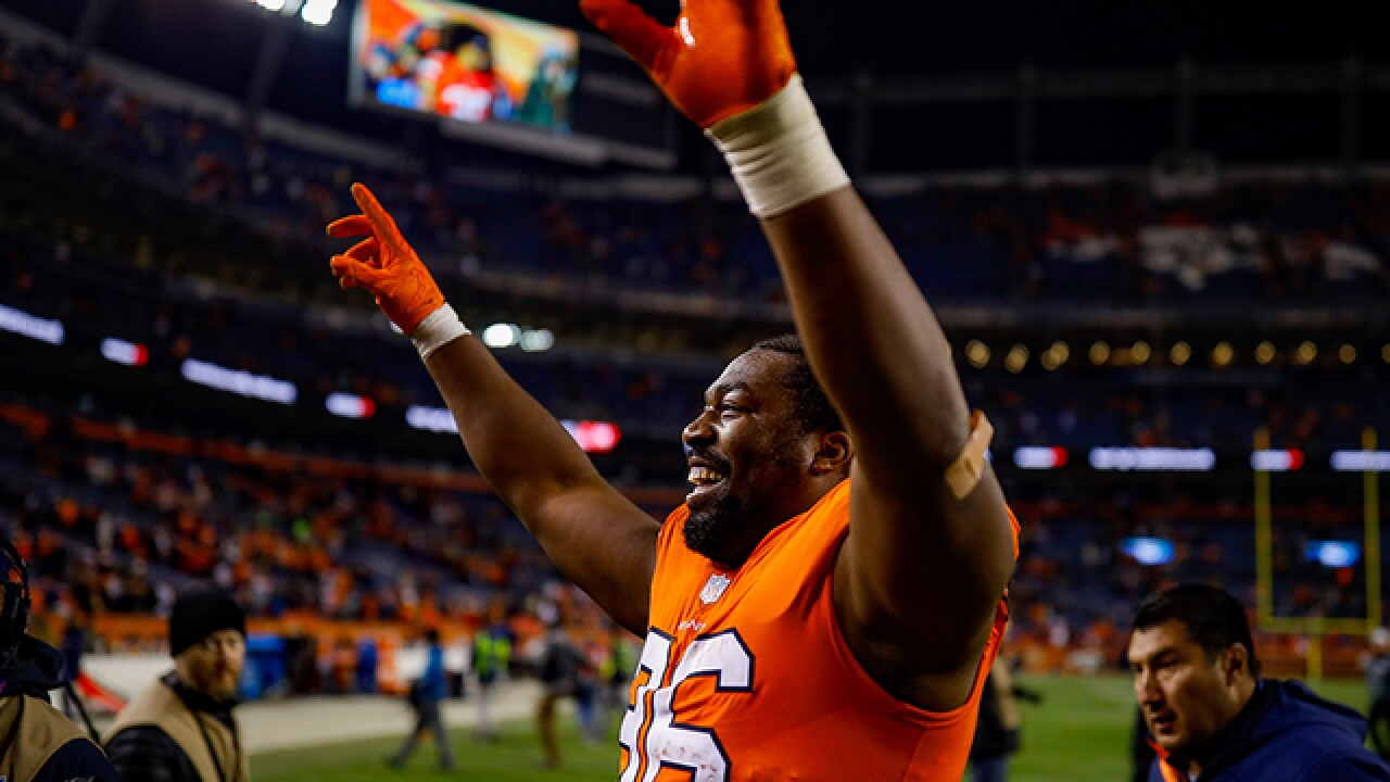 Broncos snap Steelers' six-game winning streak 24-17