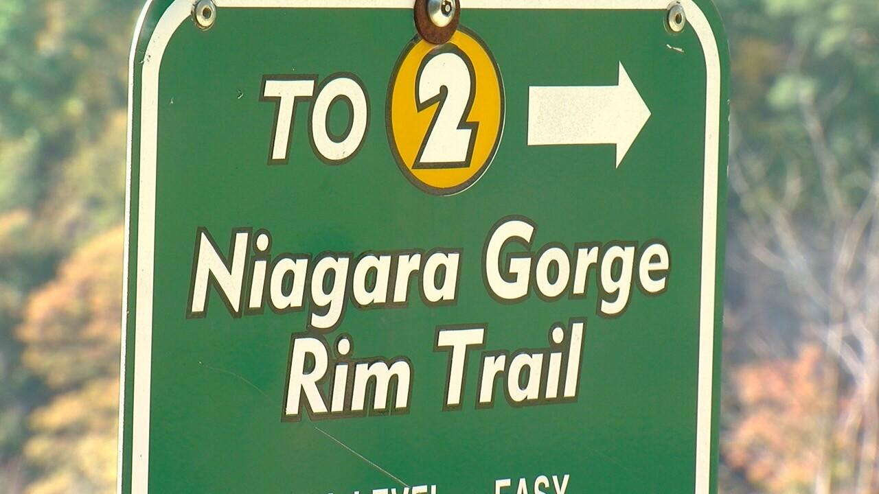 GORGE SIGN.jpg