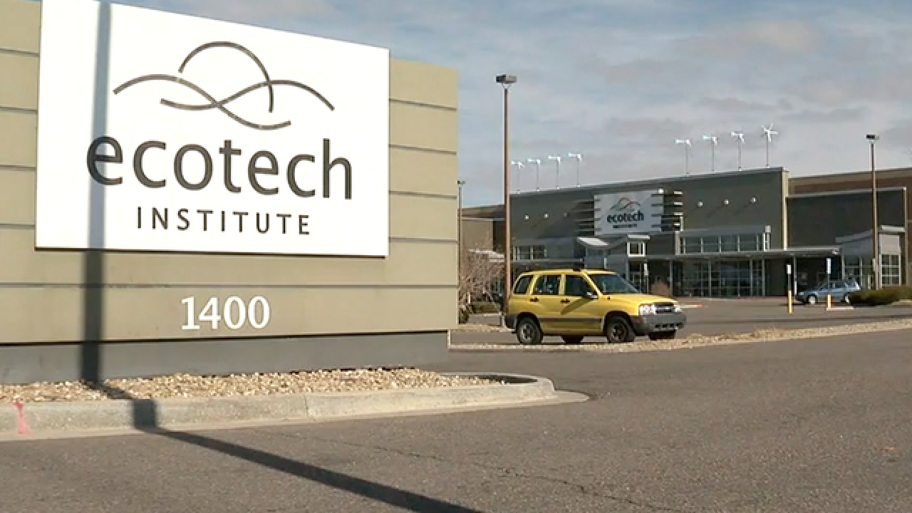 Major for-profit college chain fails, students in Aurora now