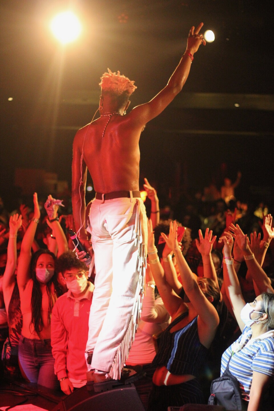 Duckwrth on stage performing