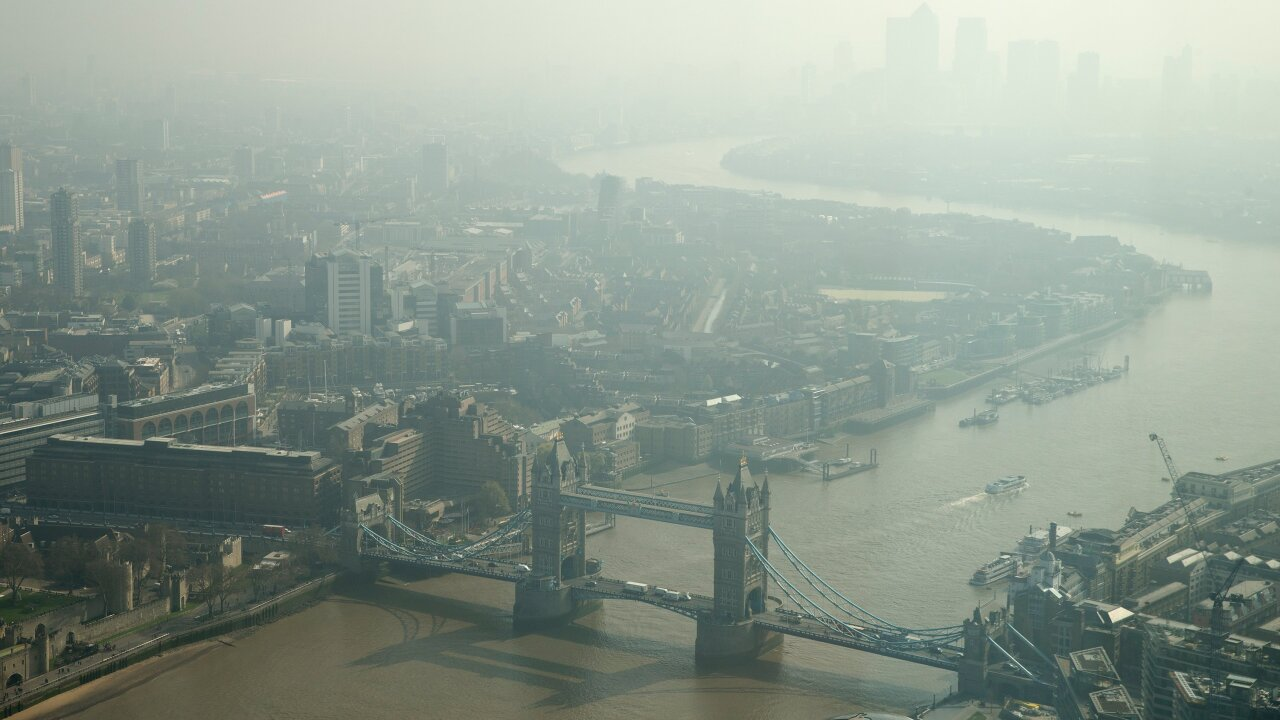 Psychosis in teens may be linked to an unlikely culprit: air pollution