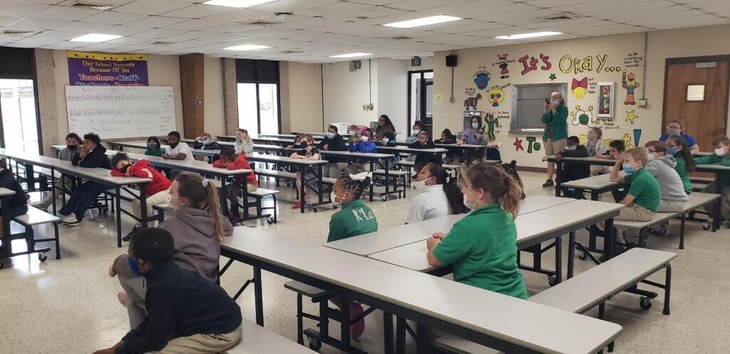 Bradely Benoit visits Eunice Elementary students 5.jpg