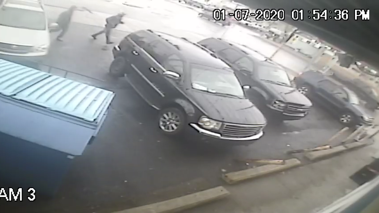 grand rapids vehicle theft suspect 010720 3.png