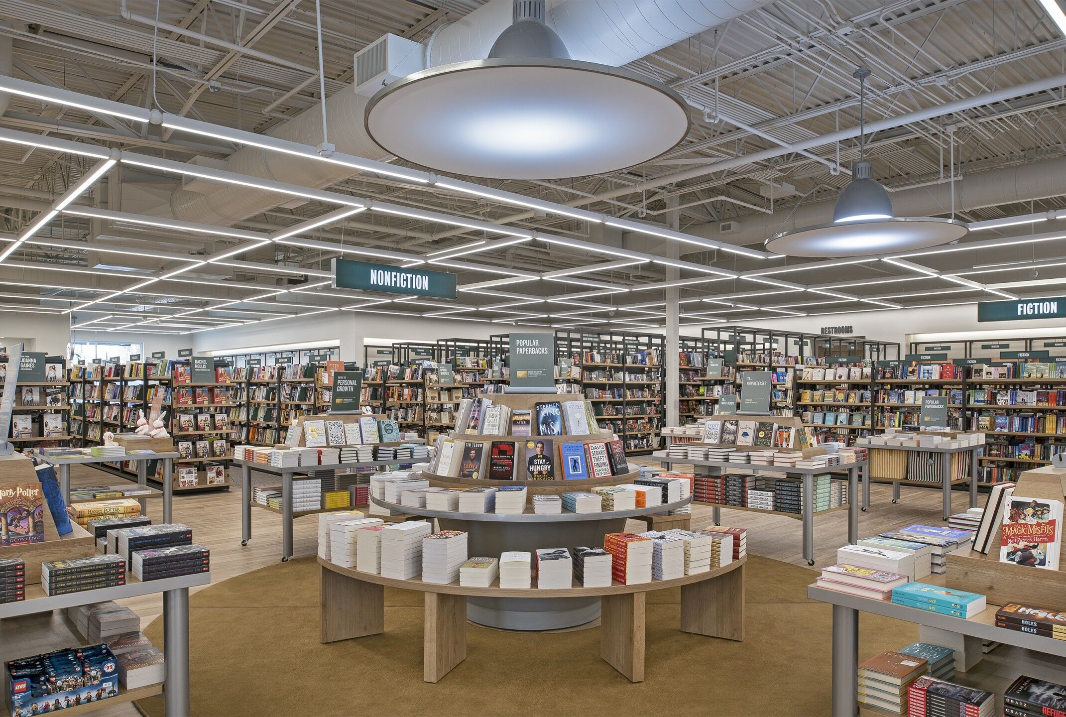 Barnes & Noble Village_17.jpg