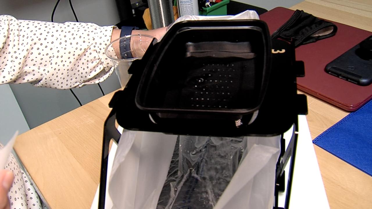 Hamilton County woman creates portable hand washing station
