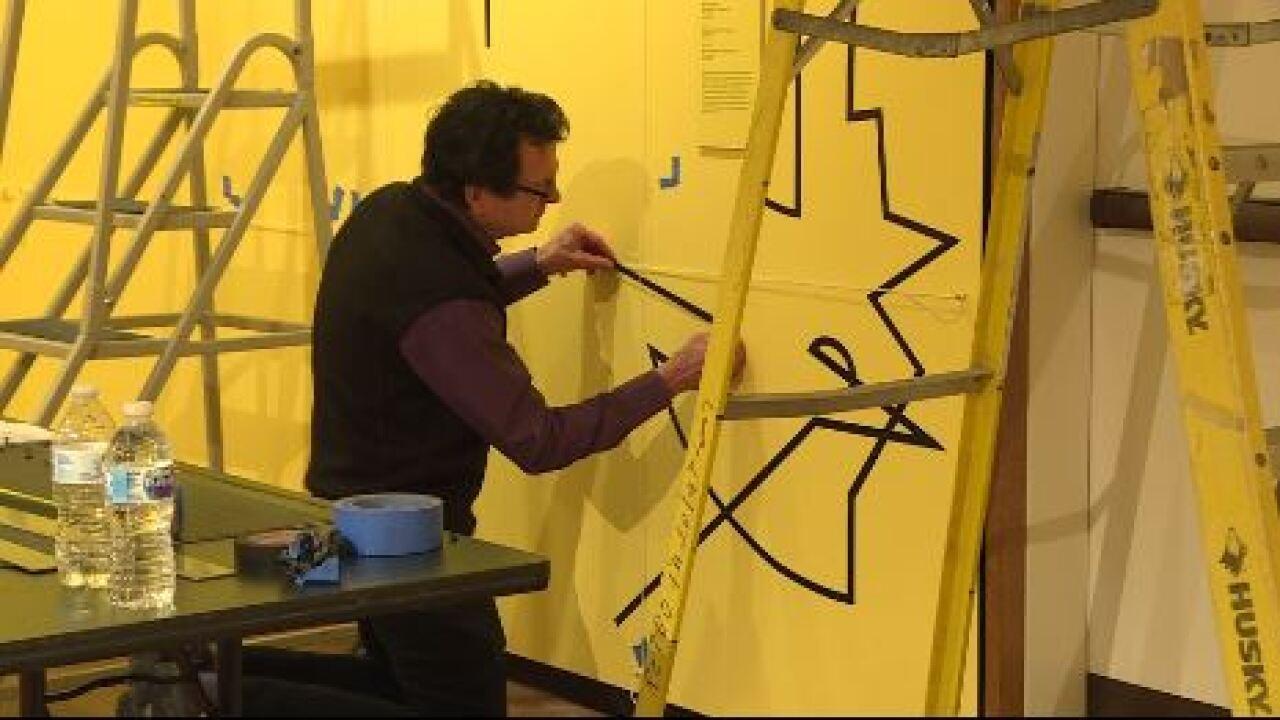 Glass artist creates unique mural at Chrysler Museum of Art