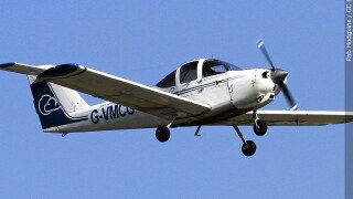 Piper PA-38 Tomahawk aircraft file photo stock image small airplane plane, Photo Date 2017.jpg