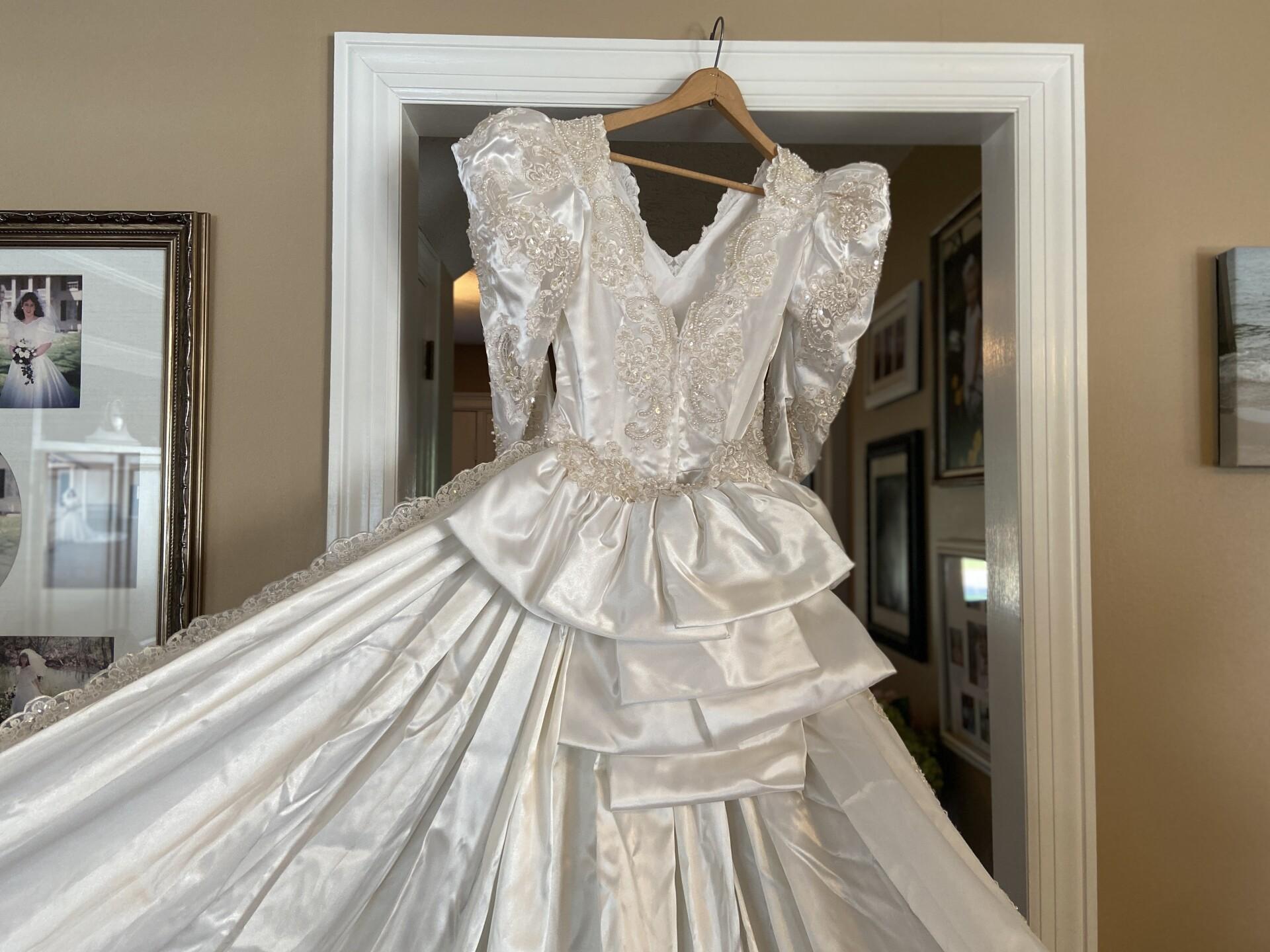 WeddingDressMystery12.jpg