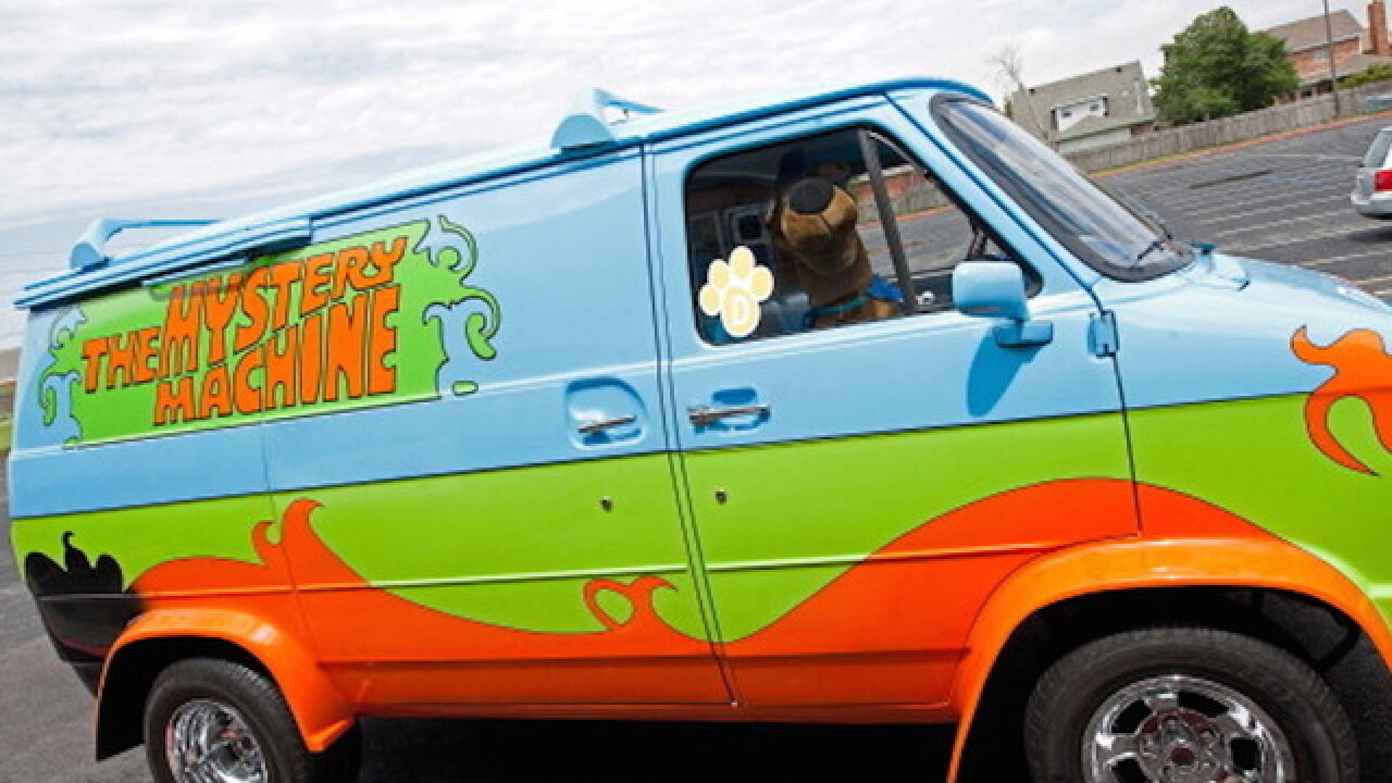 'Mystery Machine' leads cops on high-speed chase