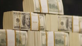 Debit downer: Cash the cheaper payment option