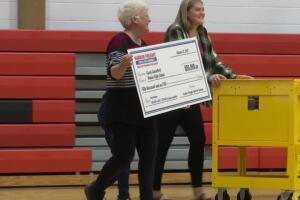 Ronan teacher named winner of $50,000 national education prize